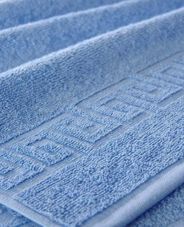 Полотенце махровое. Цвет голубой