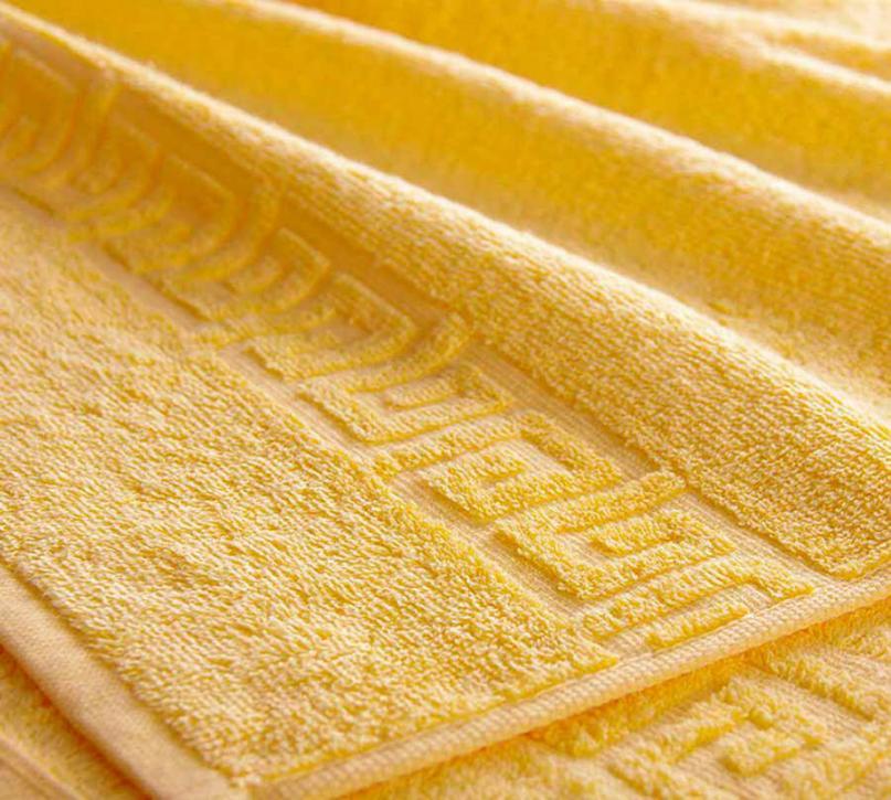 Полотенце махровое. Цвет жёлтый