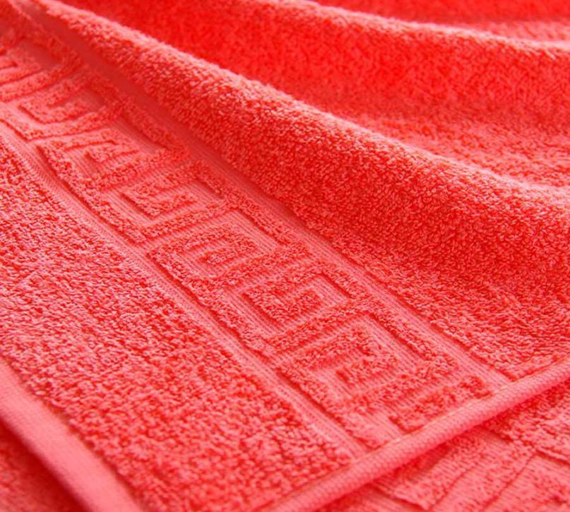 Полотенце махровое. Цвет коралловый