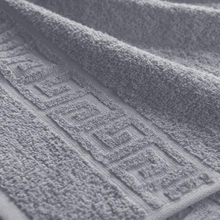 Полотенце махровое. Цвет серый