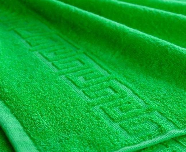 Полотенце махровое. Цвет молодая зелень