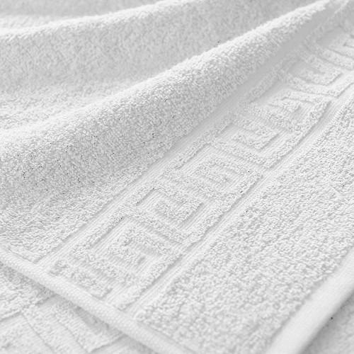 Полотенце махровое. Цвет белый