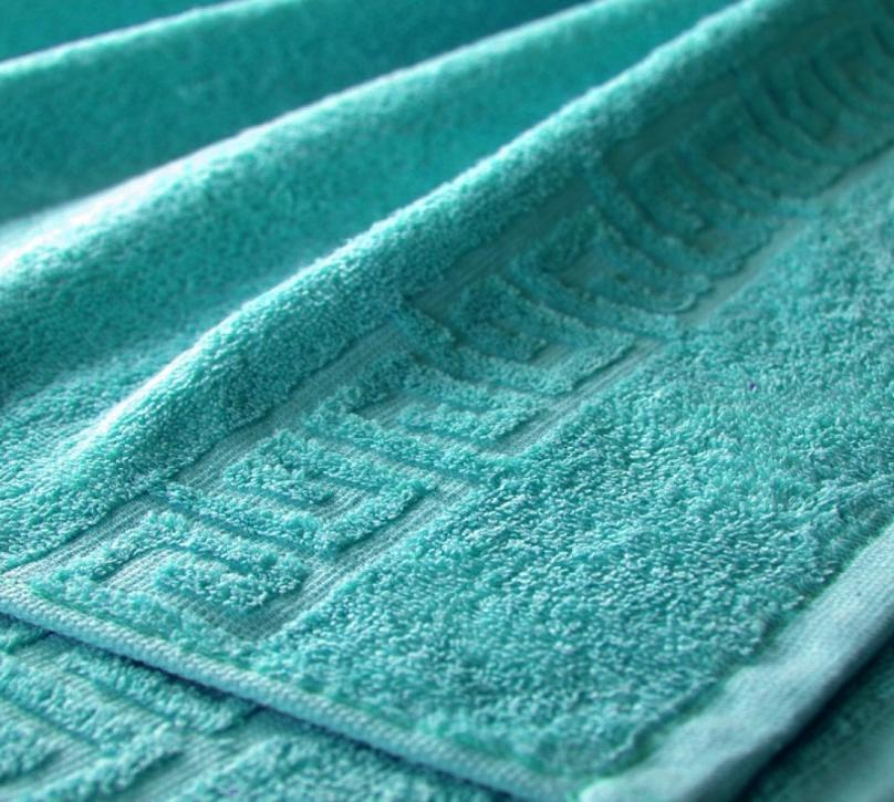 Полотенце махровое. Цвет бирюзовый